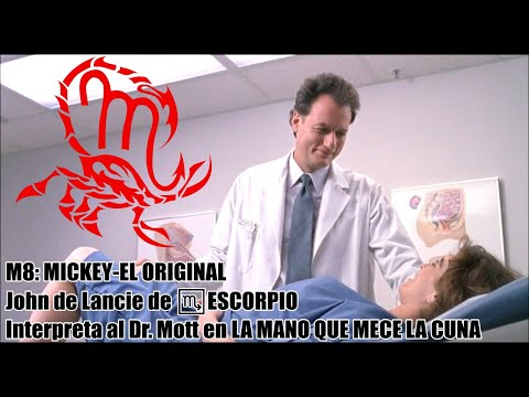John de Lancie de ESCORPIO interpreta al PERVERTIDO DR. MOTT