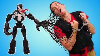 Человек Паук стал ВЕНОМОМ! Фабрика Героев в опасности? – Новые игры с супергероями. Видео шоу онлайн