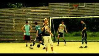 Смотреть клип Wavin Flag Knaan Feat. St1M