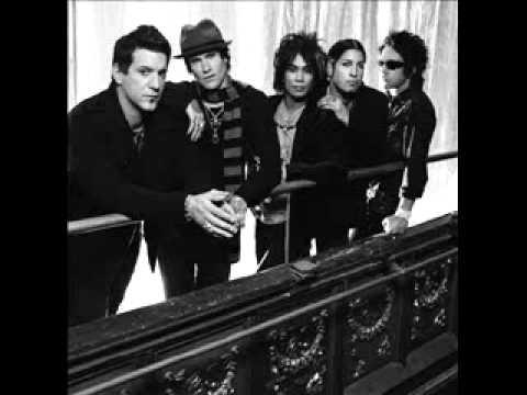 Buckcherry - Carousel Lyrics