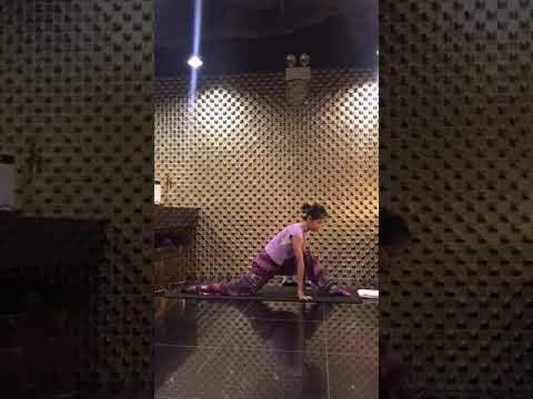 Yoga Cơ Bản (Basic) : Cách xoạc chân Ngang/Dọc , mở khớp Hông – Hip Opening