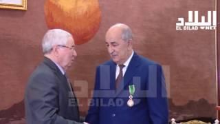 الرئيس بوتفليقة يمنح تبون وزوخ وسام الاستحقاق الوطني شاهد :