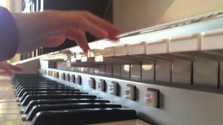 ピアノとエレクトーンやってます。