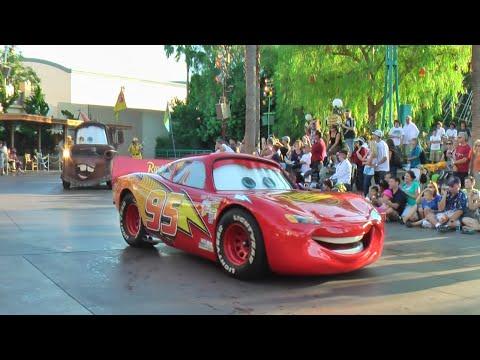 Pixar Play Parade HD 1080p (POV)