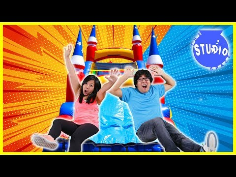 BOYS VS. GIRLS Giant Bounce House Obstacle Course CHALLENGE!