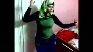 رقص منزلى محجبه جسم وصدر جامد جديد 2014