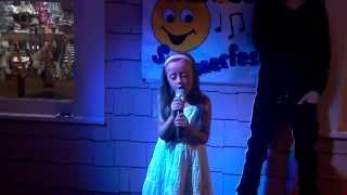 Brooklynn sings What makes you beautiful by One Direction at Kid Karaoke Barefoot Landing