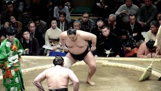 2012年1月8日(日)、平成24年大相撲初場所初日、安美錦VS琴欧洲です。 今...