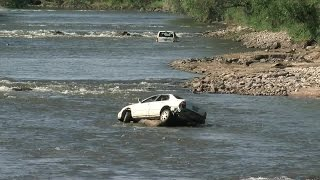 Crews remove abandoned vehicles from Platte River thumbnail