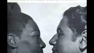Carmen Costa & Paulo Marquez - MULHER QUE NÃO DÁ SAMBA - Paulo Vanzolini - gravação de 1974
