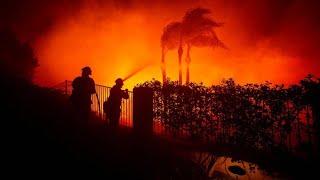 Zehntausende fliehen vor Waldbrand bei Los Angeles