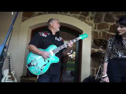 Vintage and Classic 2015 With Ali Kat Guitars and Raunchy Sugar