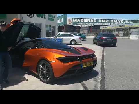 Una veintena de McLaren repostan en A Campiña