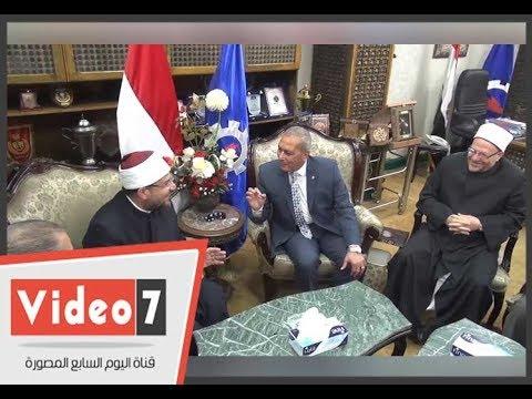 محافظ السويس لـ«وزير الأوقاف والمفتي»: أغلقت باب المسجد من أجلكم