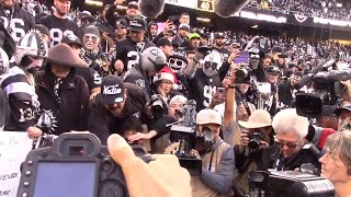Raiders booed off field after final game in Oakland