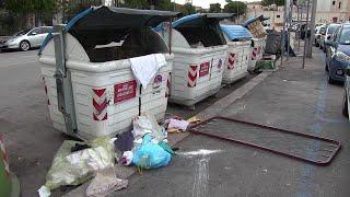 Bari vecchia senza turisti ma invasa dai rifiuti: