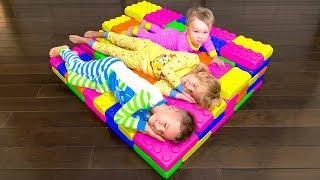 Vania & Mania BUILD BEDS with GIANT LEGO Toys | Rain Rain Go Away Song