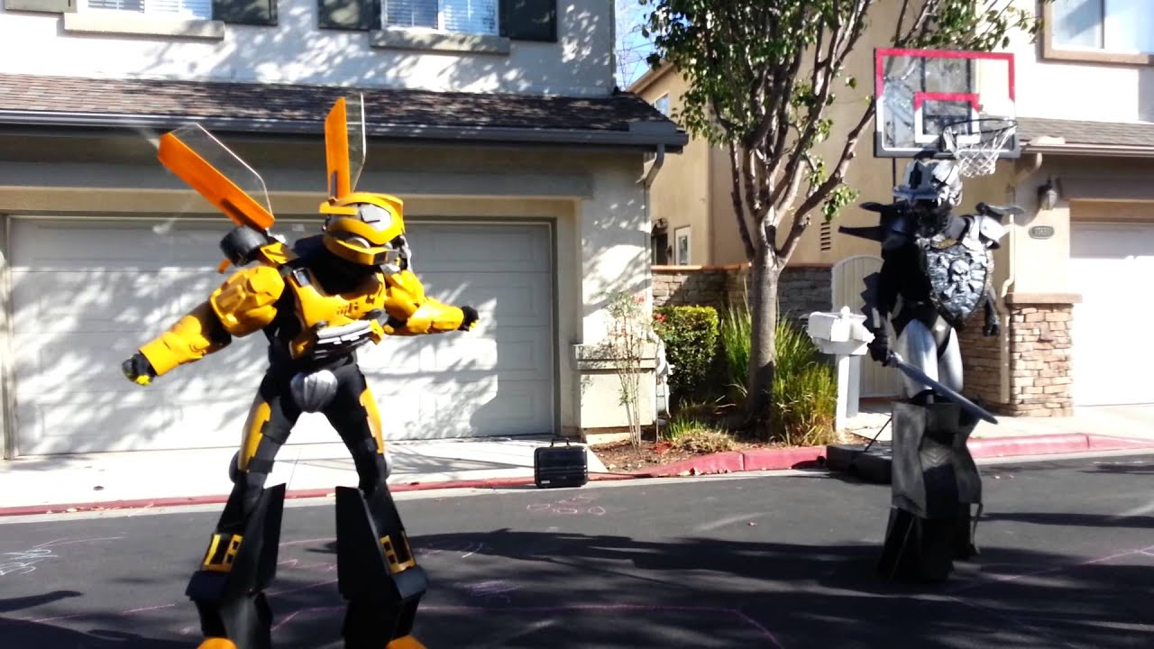 Transformers: Bumblebee vs Megatron - YouTube