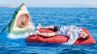 Broma de que tiro a mi amigo al mar mientras duerme