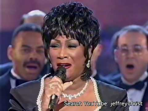 Patti LaBelle - You'll Never Walk Alone (Oscar Hammerstein Medley)