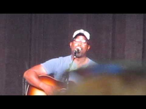 Darius Rucker~More Like Her (CMA Close Up Stage) (Miranda Lambert Cover)