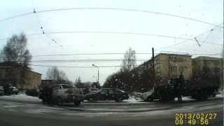 ДТП Нижний Тагил.AVI(27.02.2013, ул. Индустриальная., 2013-02-27T17:20:39.000Z)