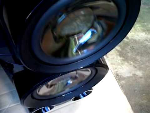 I LOVE BIG SPEAKER THX~Bass Test En Mi LG MCV 1306 Afuera