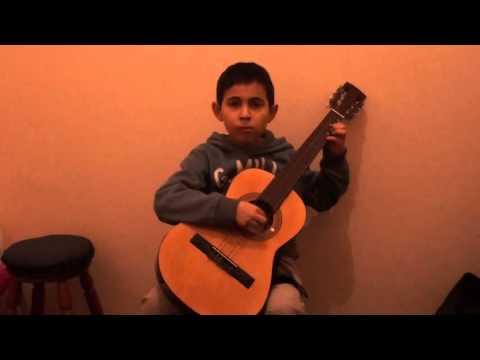 Ignacio toca Allegretto. Libro 1 Suzuki. Chile.