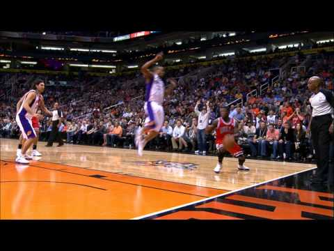 Nate Robinson pulls out the DUCK and UNDER move!