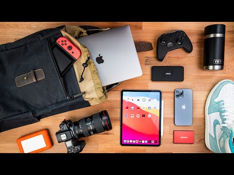 What's In My Bag 2021 | Tech Bag Essentials