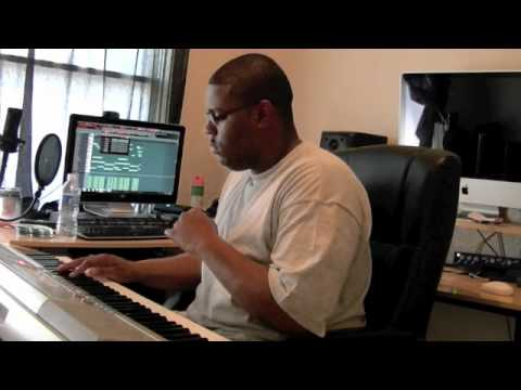 HOW TO MAKE A SICK RNB BEAT FROM SCRATCH IN FL9 2011 BY CHRIS LEE