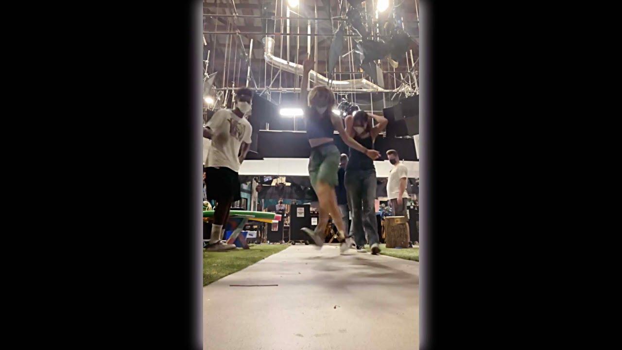 Jules LeBlanc & Jayden Bartels Funny Dancing TikTok