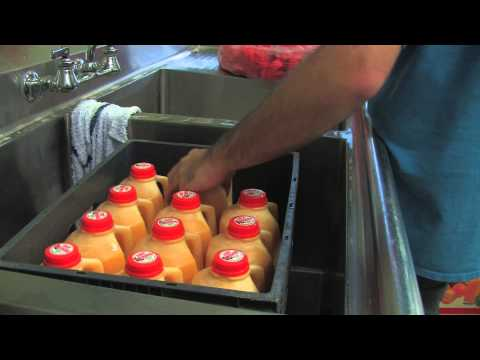 Fresh Orange Juice at Cal Poly Pomona's Farm Store