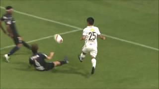 遠藤 康(鹿島)が絶妙のタイミングで右サイドを抜け出すと、左足でニア...