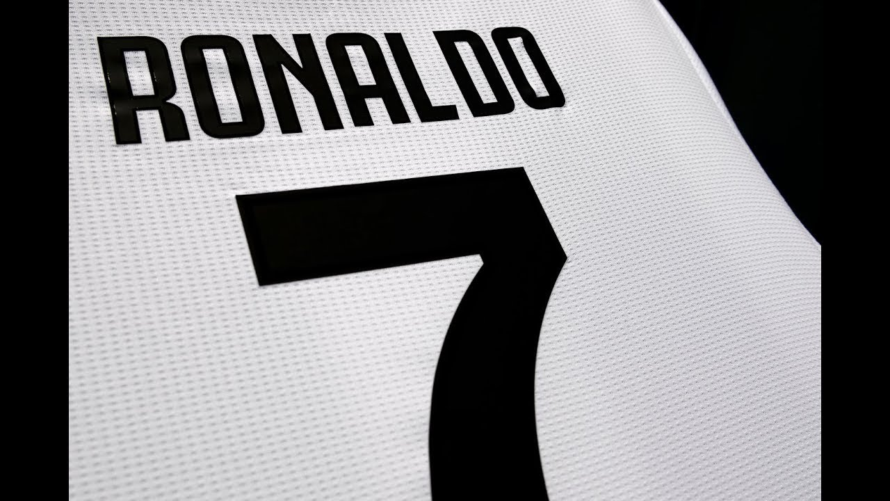 buy popular d7f85 2bb8e Why Ronaldo Wears Number 7 - The Story Behind The Jersey