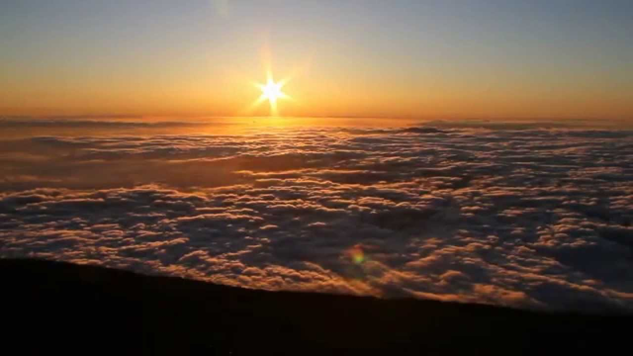 haleakala sunrise Witness the dawn of a new day on a haleakala sunrise tour standing at the top of majestic mt haleakala, renowned for its stunning sunrises and beauty, you'll be amazed by the raw beauty.