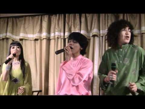 Download IQWAL EXCLUSIVE DIARY : IQWAL & Abang Dee (Hari Raya version)