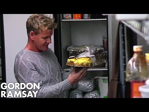 """Gordon Finds a Cheesecake That """"Looks Like a LANDMINE"""" 