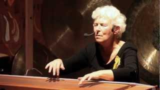 Repeat youtube video Espacio Ronda - JACOMINA KISTEMAKER - Canto a la tierra