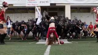 2016-06-11 Wolf cheerleader tackle