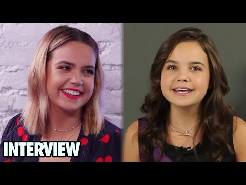 Bailee Madison Plays THROWBACK Game of 'What's In Your Purse?'