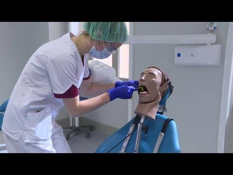 شاهد: دمى بشرية لتدريب طلبة كلية طب الأسنان في فرنسا  - نشر قبل 38 دقيقة