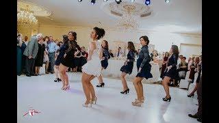 Esküvői meglepetés tánc a vőlegénynek 2018 | Bride and bridesmaids surprise wedding dance