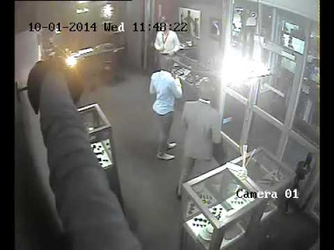 Franschhoek Jewellery Store Robbery -- Casing the shop the day before