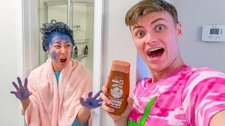 SHAMPOO HAIR DYE PRANK ON LIZZY!! (SHE WAS SO MAD)