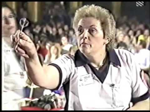Kathy Wones vs. Sandy Earnshaw - Women's Final - 1984 BDO Winmau World Masters