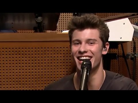 "Shawn Mendes KILLS Justin Bieber Impersonation On The ""Tonight Show"""