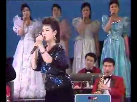 North Korea Propoganda: The Dear Leader (full song - in concert)