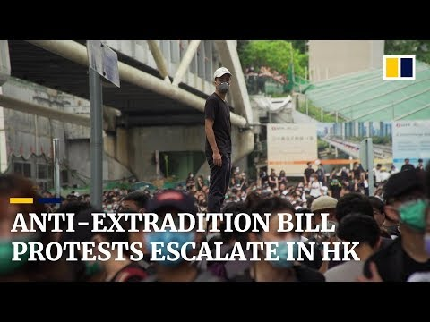 As it happened: Hong Kong police and extradition protesters