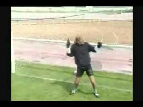 clip vui bong da sieu hai vl - football funny .wmv